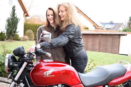 lenken beim motorradfahren